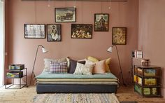 Une banquette en toile cosy et bien pratique pour recevoir dans moins de 20 m2 !