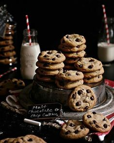 Get the same nostalgic feeling you got when you were a kid drinking milkshakes except now in cookie form with these Malt Chocolate Chip Cookies! Chocolate Chip Cookies, Milk Cookies, Yummy Cookies, Cookies Et Biscuits, Chocolate Desserts, Cake Cookies, Cookies Kids, Cooking Cookies, Cooking Cake