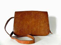 Sac de selle Français Vintage cuir épaule sac par ChicFrangine, $75.00