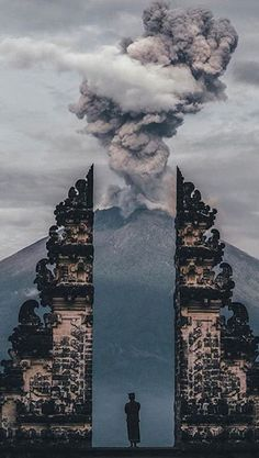Capturing moments into memories Mount Agung, Bali, Indonesia. Photo by – All Pictures Places To Travel, Places To Visit, Nature Photography, Travel Photography, Photography Aesthetic, Bali Travel, Africa Travel, Ubud, Travel Goals
