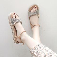 Flat Dress Shoes, Fancy Shoes, Pretty Shoes, Beautiful Shoes, Cute Shoes, Little Girl Shoes, Girls Shoes, Homecoming Shoes, Shoe Makeover