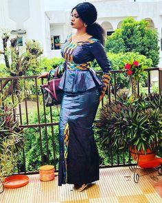 African Print Fashion, Fashion Prints, Fashion Dresses, Women's Fashion, African Women, Ankara, Dame, Style, African Outfits