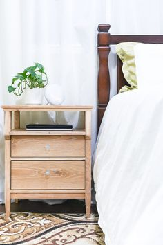 Build these beautiful DIY nightstands! The tall nightstands have lots of storage and the open shelf is the perfect place to change electronics. Nightstand Plans, Dresser As Nightstand, Woodworking Nightstand, Bedside Lockers, Bedside Drawers, Furniture Plans, Diy Furniture, Furniture Design, Feng Shui