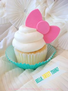 Hello Kitty Bow Cupcake