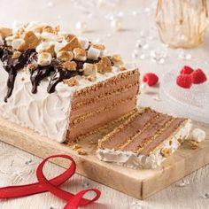 Gâteau frigidaire façon s'more - 5 ingredients 15 minutes Cake Roll Recipes, Dessert Recipes, Biscuits Graham, Glaze For Cake, Pavlova, Vanilla Cake, Caramel, Bakery, Chocolate