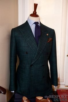 Catching up with Federico Ceschi a SantaCroce ~ The Bespoke Dudes by Fabio Attanasio Mens Athletic Fashion, Mens Fashion Suits, Mens Suits, Dress Suits For Men, Suit And Tie, Designer Suits For Men, Bespoke Tailoring, Well Dressed Men, Blazers For Men