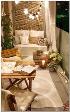 50 Dreamy Winter Balcony Design Ideas That You Need To Try - The balcony is an extension of the home, and it is an area where many people relax and read a good book, enjoy beverages, and enjoy the great outdoors. Small Balcony Decor, Balcony Design, Small Patio, Balcony Ideas, Tiny Balcony, Patio Ideas, Garden Design, Garden Ideas, Small Balconies