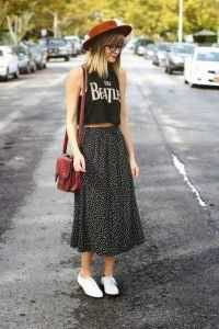 Trendy and cute hipster outfits worth trying this year! Who said the Hipster look wasn't trendy? Check out our hipster outfits guide on how to dress Hipster! Hipster Girl Fashion, Boho Outfits, Cute Hipster Outfits, Geek Chic Fashion, Fashion Blogger Style, Tomboy Outfits, Look Fashion, Outfits For Teens, Spring Outfits