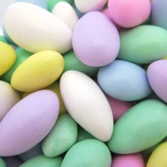 Bates Nut Farm Jordan Almonds come in an assortment of pastel colors. Jordan Almonds are traditional wedding and shower favors. Smooth, sweet candy coating with a crunchy almond inside. Jordan Almonds, Homemade Fudge, Colorful Candy, Sweet Desserts, Traditional Wedding, Pastel Colors, Easter Eggs, Vines, Lilac