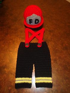 http://www.pinterest.com/jessyfig83/crochet-creations/ Crochet Firefighter set