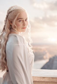 Find images and videos about game of thrones, got and emilia clarke on We Heart It - the app to get lost in what you love. Game Of Thrones Facts, Game Of Thrones Quotes, Game Of Thrones Funny, Game Of Throne Actors, Game Of Throne Daenerys, Emilia Clarke, Khaleesi, Daenerys Targaryen, Geek Movies