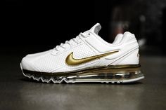 Nike Air Max 2013 Leather QS White/Metallic Gold: South Korea's premier streetwear destination, Kasina, has received a batch of the Nike Air Max+ Nike Shoes Cheap, Nike Free Shoes, Cheap Nike, Nike Outlet, Air Max Sneakers, Sneakers Nike, Nike Air Max, Baskets, Nike Fashion