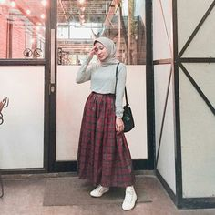 46 Ideas Vintage Photoshoot Outfits Dresses For 2019 Hijab Style Dress, Modest Fashion Hijab, Modern Hijab Fashion, Street Hijab Fashion, Casual Hijab Outfit, Hijab Fashion Inspiration, Hijab Chic, Muslim Fashion, Skirt Fashion
