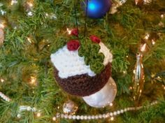 Christmas Pudding and other free Crochet Christmas Ornament Patterns at mooglyblog.com!