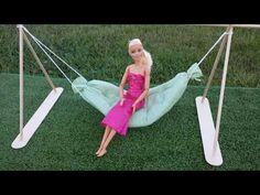 Coisas que Gosto: How to make a Doll Hammock Barbie Dolls Diy, Diy Barbie Clothes, Barbie Doll House, Doll Toys, Doll Clothes, Diy Doll Miniatures, Diy Hammock, Diy Barbie Furniture, Doll House Crafts