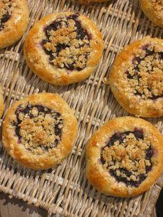 Kauraiset mustikkapullat kauramurulla - Leena-muori leipoo - Vuodatus.net - Muffin, Breakfast, Food, Morning Coffee, Essen, Muffins, Meals, Cupcakes, Yemek