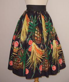 1950s Novelty Print Skirt / Tropical Fruit by RainbowValleyVintage