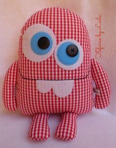 Sewing Toys Monstrinho Dentucinho , fofinho de pano Mais Amazing Home Sewing Crafts Ideas. Incredible Home Sewing Crafts Ideas. Sewing Toys, Sewing Crafts, Sewing Projects, Sewing Stuffed Animals, Stuffed Toys Patterns, Ugly Dolls, Fabric Toys, Fabric Sewing, Paper Toys