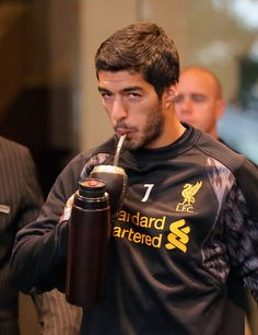 Luis Suárez Photos - Luis Suarez of Liverpool FC walks to the team bus to attend training at the Grand Hyatt on July 22, 2013 in Melbourne, Australia. - Liverpool FC Press Conference
