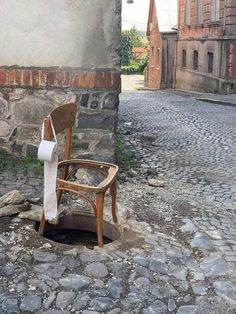 """Let's play a game called """"try to take a public shit and fall into the sewer"""". Public, Delete Image, Outdoor Chairs, Outdoor Decor, Album Photo, Image Title, Media Images, Pepsi, Funny Moments"""