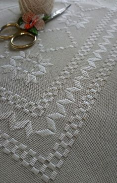 Hardanger Embroidery, Folk Embroidery, Simple Embroidery, Ribbon Embroidery, Cross Stitch Embroidery, Machine Embroidery Designs, Embroidery Patterns, Cross Stitch Patterns, French Knot Stitch