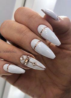 37 Stylish Acrylic Short Nails For Summer Nails Design - Short almond nails design, almond nails summer, fake nails, natural almond nails ideas, summer nail - Almond Nails Designs, White Nail Designs, Nail Art Designs, Cute Acrylic Nails, Cute Nails, Pretty Nails, Nail Swag, Glam Nails, Glitter Nails