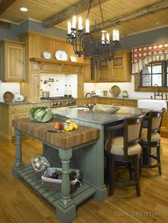 Clive Christian Kitchen in Antique Honey Oak
