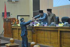 Sidang Paripurna dengan agenda Laporan panitia khusus (Pansus) DPRD Sumbawa…