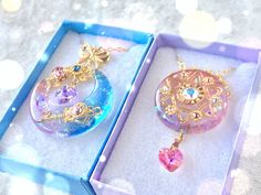 Gold standard: incorporating gold in jewelry projects Kawaii Jewelry, Kawaii Accessories, Cute Jewelry, Jewelry Accessories, Resin Jewelry, Stone Jewelry, Magical Jewelry, Resin Charms, Miniature Crafts