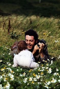 ♡♥Paul outside with his daughter♥♡