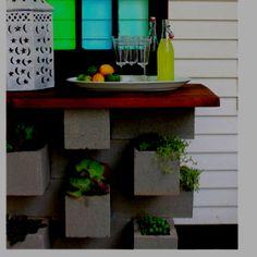 Great table & planter idea.