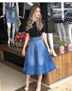 Jean Skirt Outfits: 32 Chic Ways To Wear A Denim Skirt Skirt outfits Skirt Outfits Modest, Denim Skirt Outfits, Modest Dresses, Dress Skirt, Casual Outfits, Cute Outfits, Rock Outfits, Denim Skirts, Cute Church Outfits