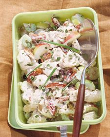 It's quick and easy to make this sophisticated chicken salad when you start with a store-bought rotisserie chicken. Add toasted pecans sliced celery and scallions raisins oregano and chopped Fuji or lady apples and coat with a tangy sour cream dressing. Chicken Curry Salad, Chicken Salad Recipes, Chicken Salads, Bbq Salads, Vegetable Salads, Chicken Ideas, Coleslaw, Kfc, Martha Stewart Chicken Salad Recipe
