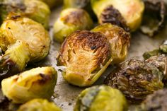 Roasting is one of the best ways to bring out the delicious nutty flavors in Brussels sprouts—plus it& SO easy. Here& the best way roast brussels sprouts in the oven and a few ways to insure that your Brussels get as crispy as possible. Best Roasted Brussel Sprouts, Brussel Sprout Chips, Roasted Vegetables, Brussels Sprouts, Veggies, Sprout Recipes, Vegetable Recipes, Chips Recipe, Vegetable Side Dishes
