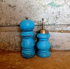 Turquoise Salt Shaker and Pepper Grinder Mill Wood Distressed by turquoiserollerset on Etsy