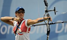 British medal hope Alison Williamson at the 2008 Beijing Olympic Games. Olympic Archery, British Medals, Leadership Excellence, Beijing Olympics, Pe Teachers, Archery Equipment, Team Gb, Royal Rumble, Sports Photos