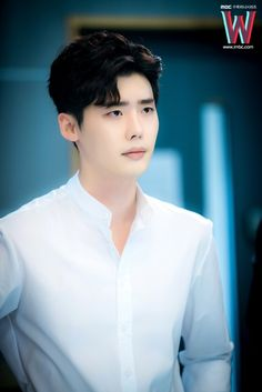 https://www.facebook.com/LeeJongSukKoreanActor/photos/pcb.1735423550053080/1735423456719756/?type=3