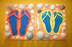 Flip flops: footprints at the beach! - The Creative Elves, DIY for children. Toddler Crafts, Crafts For Kids, Arts And Crafts, Summer Crafts, Summer Art, Summer Activities, Toddler Activities, Kids Sand, Diy Home Crafts
