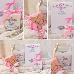 πακέτο #βάπτισης με θέμα #carousel #προσκλητήριο σε κουτί, #lunch_box #μπομπονιέρα #κουτί #γλυκού@ 4LOVEgr we #love #celebrations #invitations - Always #happy to #work with #flowers and #decoration and give unic #style to #weddings #baptisms #christening #party #birtdays and every #event - Concept Stylist #Μάνθα_Μάντζιου & Floral Artist #Ντίνος_Μαβίδης