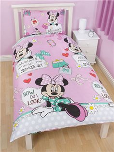 Minnie Mouse 'Makeover' Single Rotary Duvet and Pillowcase Set  100% Official Disney Merchandise  Brand new design!! Reversible - 2 designs in 1 Duvet Cover size: 135cm x 200cm (54in x 78in) Pillowcase size: 48cm x 74cm (19in x 29in) 100% Microfibre Machine washable