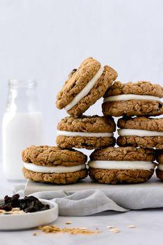 Sandwich Cookies, Cookies Et Biscuits, Cake Cookies, Just Desserts, Delicious Desserts, Yummy Food, Unique Recipes, Sweet Recipes, Oatmeal Creme Pie