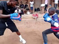 Boxing Training Workout, Kickboxing Workout, Gym Workouts, Mma Training, Self Defense Moves, Self Defense Martial Arts, Muay Thai, Boxing Drills, Boxing Videos