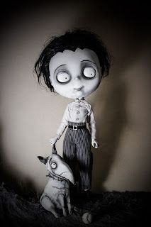 By Julien Martinez. Creepy Baby Dolls, Creepy Toys, Pretty Dolls, Cute Dolls, Tim Burton, Ugly Dolls, Gothic Dolls, Gothic Art, Fantasy Creatures