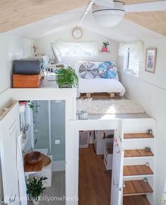 42 awesome tiny house ideas home design ideas tiny house, bu Tiny House Loft, Tiny House Living, Tiny House Plans, Tiny House Design, Tiny House On Wheels, Tiny Houses, Living Room, Tiny House Bedroom, Tiny House Ideas Kitchen