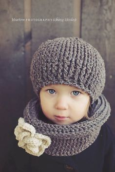Crochet Pattern: Ciao Bella Beret & Infinity por whimsywoolies