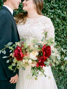 Real Wedding Inspiration: Brooke + Kevin's Rosemary Beach Wedding | Gown: Edette Lea-Ann Belter Skirt| Image: Mi Amore Photo