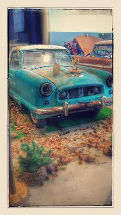 #pistonringsworldofwheels #WorldofWheels #winnipegcarshow #classic #classiccar #NashMetropolitan #gorgeous My #passions & #hobby: #Photography; 100% #AmateurPhotography, I don't have a clue how to use a camera lol