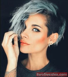 51 Edgy and Rad Short Undercut Hairstyles for Women - Best Frisuren ideen Undercut Hairstyles Women, Short Hair Undercut, Undercut Women, Edgy Haircuts, Cool Short Hairstyles, Girls Shaved Hairstyles, Female Undercut, Half Shaved Head Hairstyle, Girl Undercut