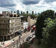 Angel & The City (: @utterlyann) #islington #angel #london #thisislondon #ilovelondon #pictureangel #pictureislington  #igerslondon #ig_london  #highbury #northlondon by islington_london