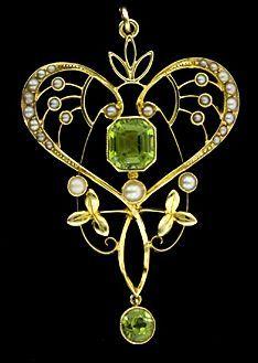 Art Nouveau,peridot,pearls and gold pendant